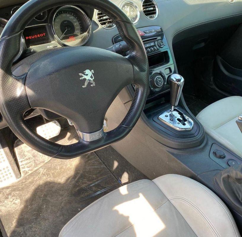 Peugeot RCZ 2012