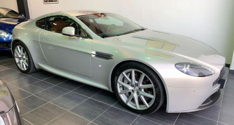 Aston Martin Vantage 2013