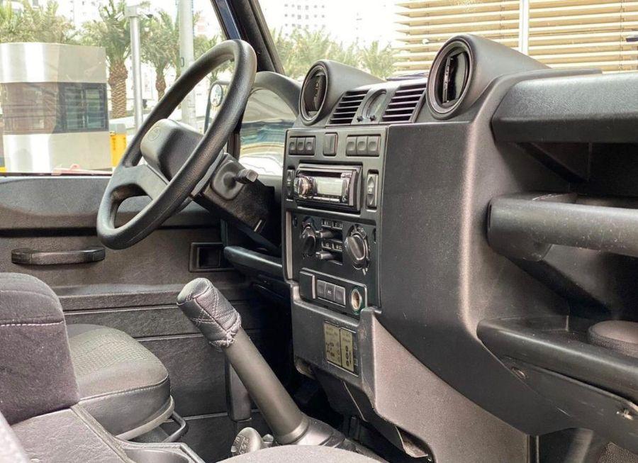 Land Rover Defender 90 2013