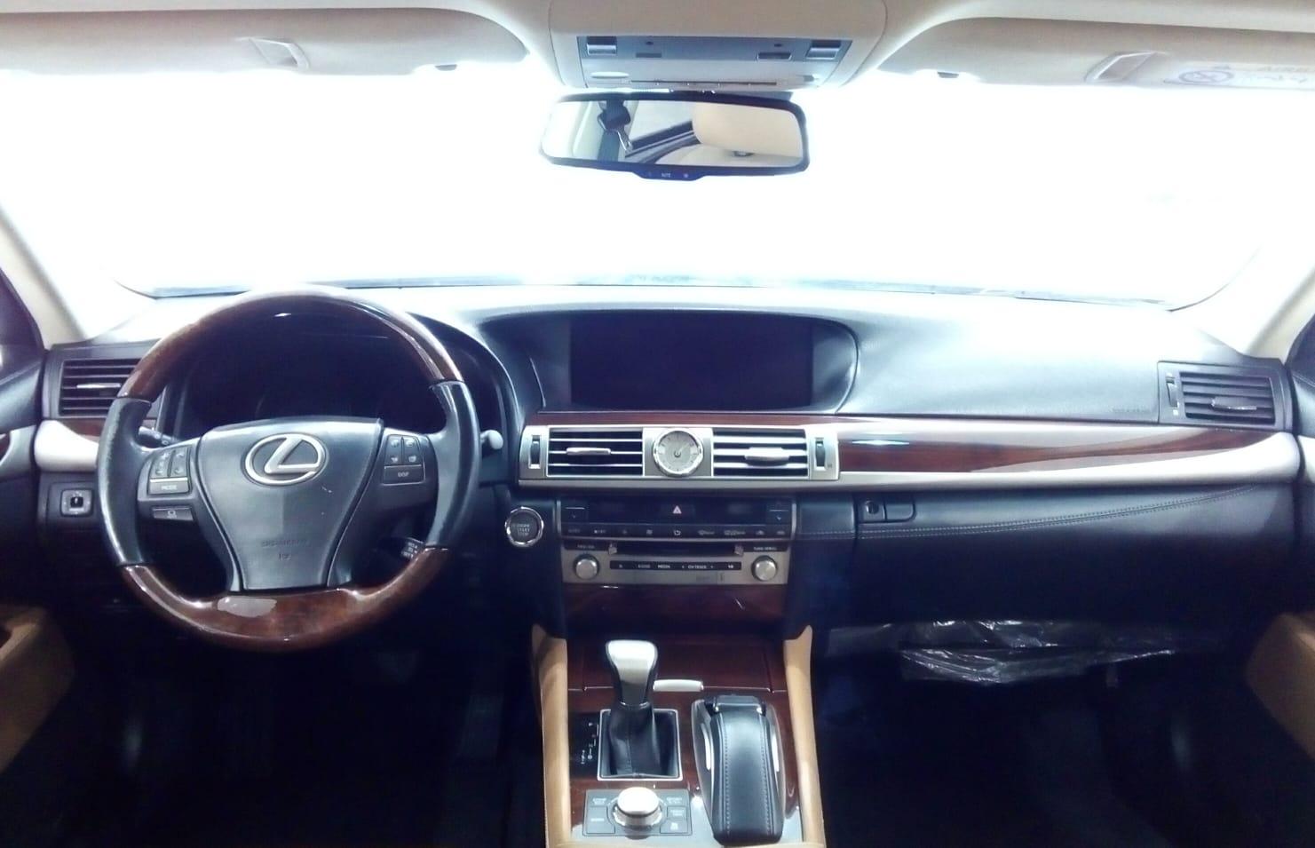 Lexus LS460L 2016
